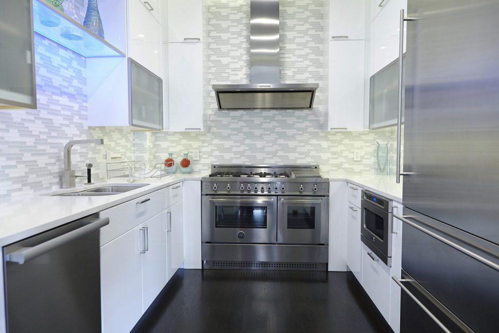 Klein Kitchen and Bath Under cabinet lighting